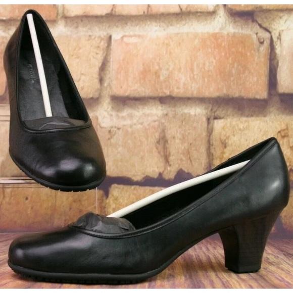 AEROSOLES Shoes | Suregrip Arizona Slip